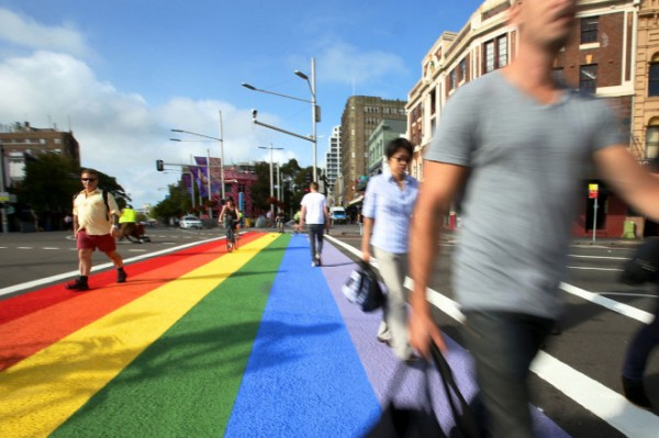 1920x1080_Oxford-St-rainbow-crossing-660x440